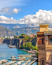 A view of the picturesque scenery awared to those who try water sports in Sorrento.