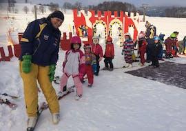 Clases de esquí para niños para todos los niveles con Snowschool Vrchlabi