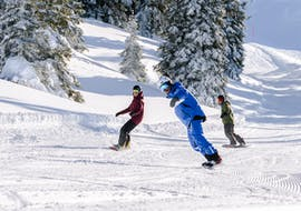 Private Snowboarding Lessons for All Levels & Ages with Element3 Ski School Kitzbühel
