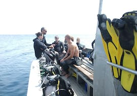 A person is participating to PE20 & SSI/PADI Open Water Diver Course for Beginner with Le Kalliste Plongée.