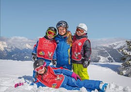 Kids doing private ski lessons for kids and adults of all levels with skischool Hopl in schladming.