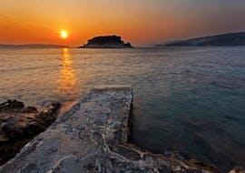 Balade privée en bateau au coucher du soleil aux Pakleni avec Hvar Boats