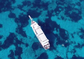 One of our spacious boats during the boat trip from Palau to la Maddalena Archipelago with Lady Luna 2 Palau.