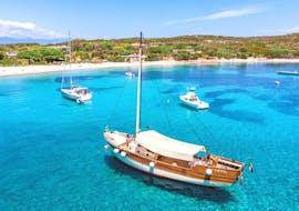 Our exclusive veliero sailing during the semi-private veliero tour to la Maddalena Arcipelago with Maggior Leggero Tour.