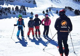 A kids ski lesson from 7 to 12 years old takes place in Baqueira with Mammut Ski School.