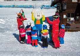 Clases de esquí para niños a partir de 3 años para debutantes con Schweizer Skischule Grindelwald