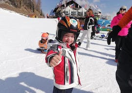 The Kids Ski Lessons (3-4 y.) - Christmas - All Levels at the ski school Scuola Italiana di Sci Civetta help children to get started on their skis.