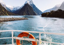 A view at a unique mountainous landscape during the Coach Tour with Milford Sound Cruise at Sunrise that passengers have from the catamaran operated by Jucy Cruise.
