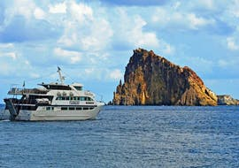 One of Tarnav Tours Eolie's boats during the boat trip to Lipari and Vulcano.