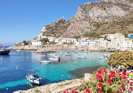 The harbour Levanzo that you can admire during the boat trip to Favignana and Levanzo with Lunch with Egadi Escursioni.