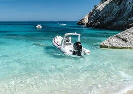 The rib boat on the beach during the rib boat trip in the Gulf of Orosei with Dovesesto Cala Gonone.