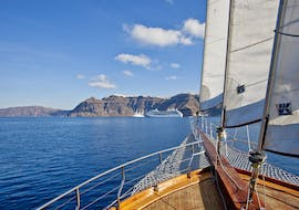 View from the boat during the boat trip from Santorini to Thirasia Island with our partner Caldera's Boats.