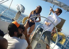 Friends on a boat trip to Dia from Heraklion with Altersail.