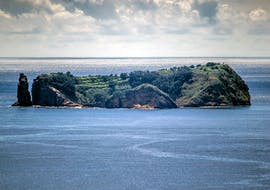 View of the Islet of Vila Franca do Campo Nature Reserve which can be visited during a tour with Azores Whale Watching TERRA AZUL.