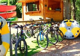 Sun VTT Canoë's E-bikes are ready to be hired in the Gorges du Tarn.