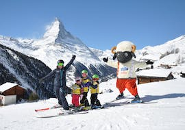 Kids Ski Lessons (from 4 y.) for Beginners with Stoked Snowsports School Zermatt