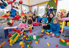 Garderie dès 2 ans pour Débutants avec Skischule Reith bei Kitzbühel