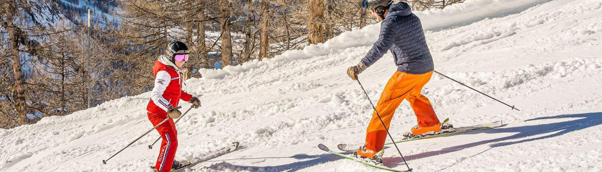 Adult skier learns how to ski during the Private Ski Lessons for Adults - All Levels while being in good hands of an experienced instructor from ESF Val d'Isère.