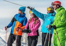 Des adultes font des Cours de ski Adultes pour Tous niveaux avec Starski Grand Bornand.