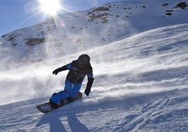 People doing Private Snowboarding Lessons for Kids & Adults of All Levels with ABC Snowsport School in Arosa.