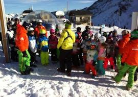 Les enfants font des Cours de ski Enfants (5-12 ans) et Club Cariboo - Arc 1950 avec Evolution 2 Spirit - Arc 1950 & Villaroger.