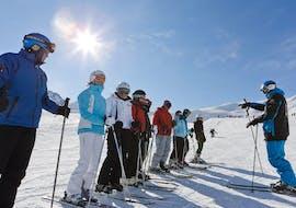 Des adultes participent à des Cours de ski Adultes - Arc 1950 avec Evolution 2 Spirit - Arc 1950 & Villaroger.
